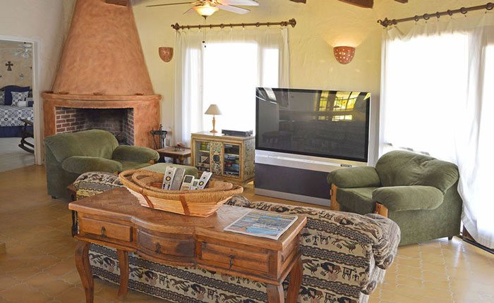 rocky-point-house-rental-agaves-del-mar-living-room