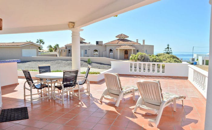 Rocky-Point-House-Rental-Las-Vista-del-Ma-outside-seating